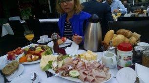 Frühstück im Hotel Petit
